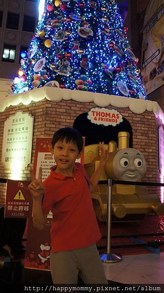 2015.11.22 台北火車站 湯瑪士耶誕樹(4).JPG
