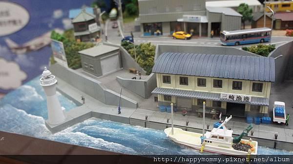 2015.11.22 台北車站 日本東京 精及台鐵友好締結 火車模型展(8).jpg