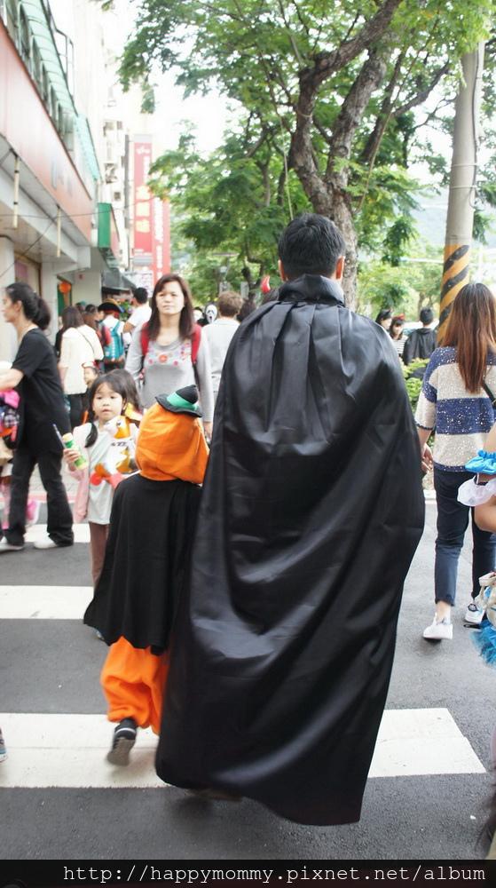 2015.10.31 天母萬聖節 (18).JPG