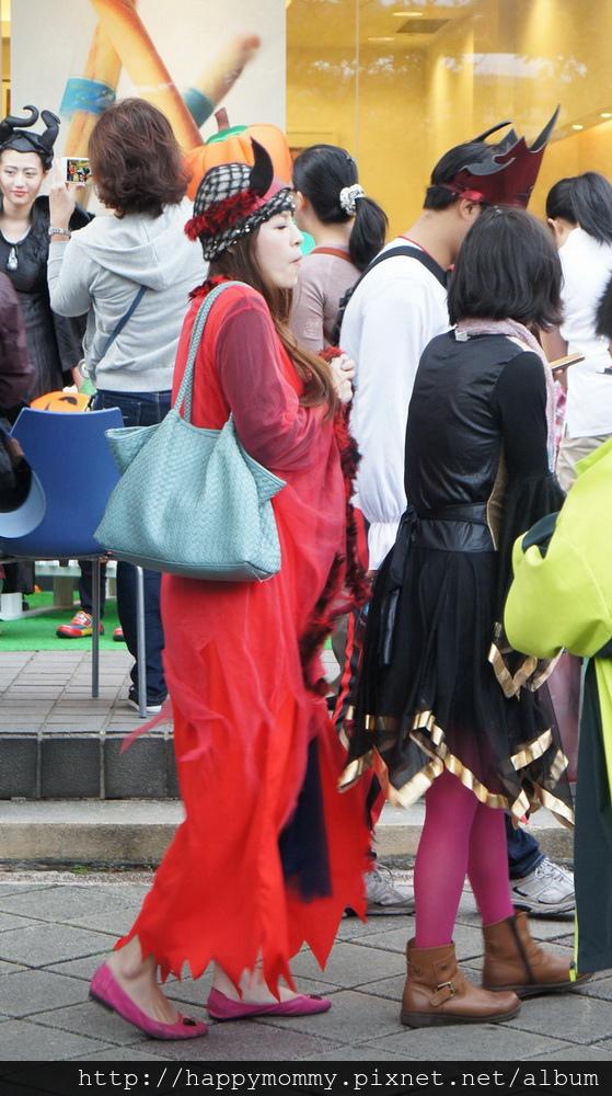 2015.10.31 天母萬聖節 (22).JPG
