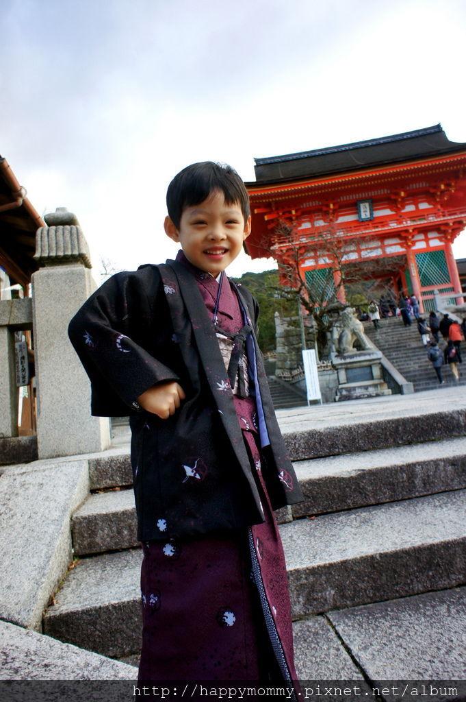 2012.12.24 京都和服變身逛清水寺 地主神社 (30).JPG