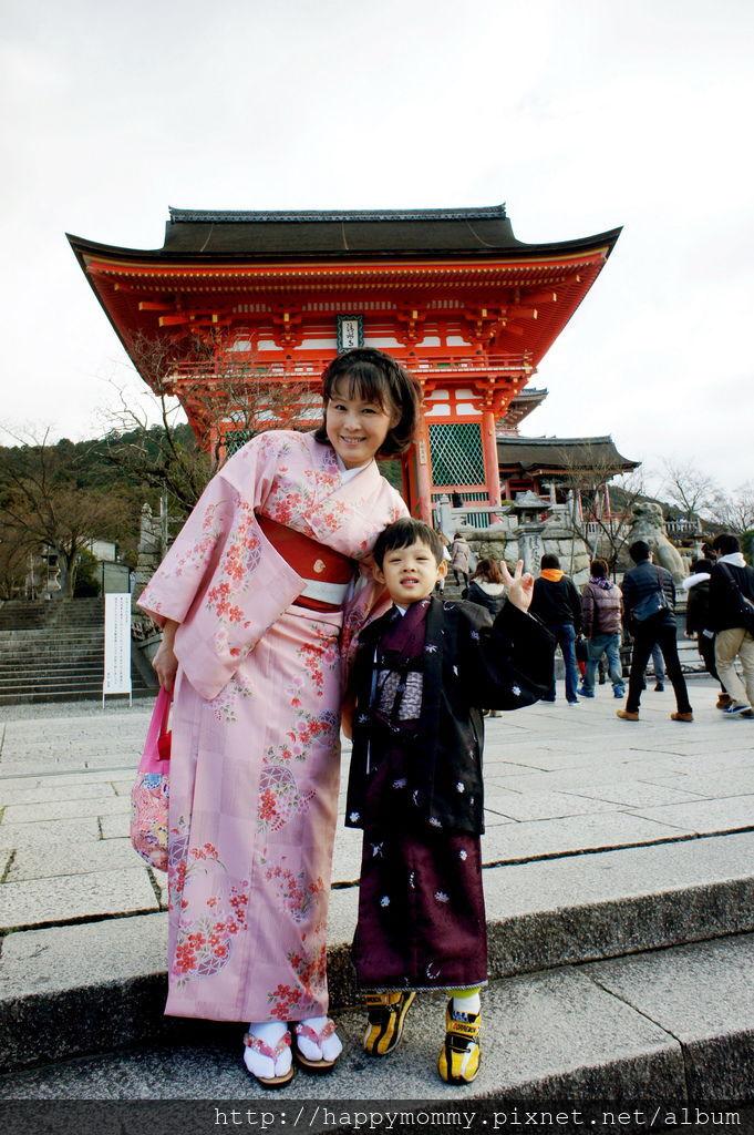 2012.12.24 京都和服變身逛清水寺 地主神社 (27).JPG