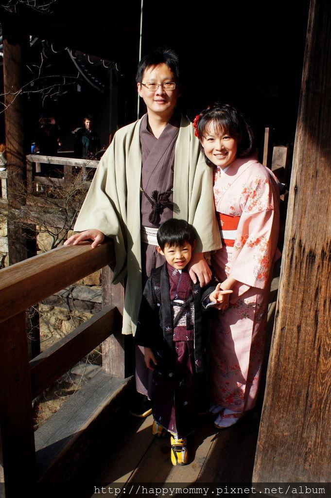 2012.12.24 京都和服變身逛清水寺 地主神社 (56).JPG