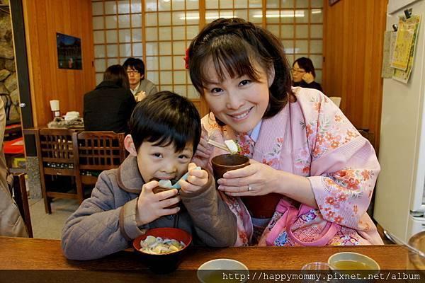 2012.12.24 京都和服變身逛清水寺 地主神社 (104).JPG