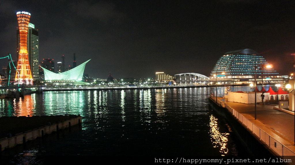 2015.12.15 搭cityloop 遊神戶 北野異人館 神戶塔 馬賽克廣場星巴克 (114).JPG