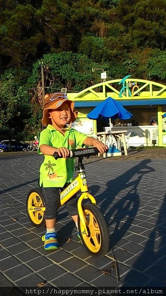 2016.08.07 關渡碼頭騎滑步車 玩水 (4).jpg