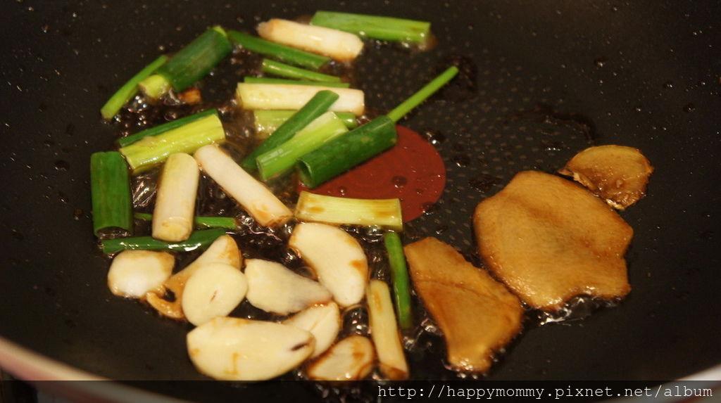 淬釀醬油露(9).JPG