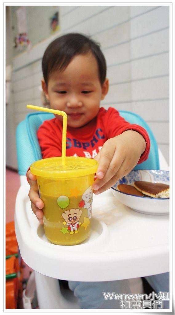 ViViBABY二段式兒童餐椅 (14).JPG