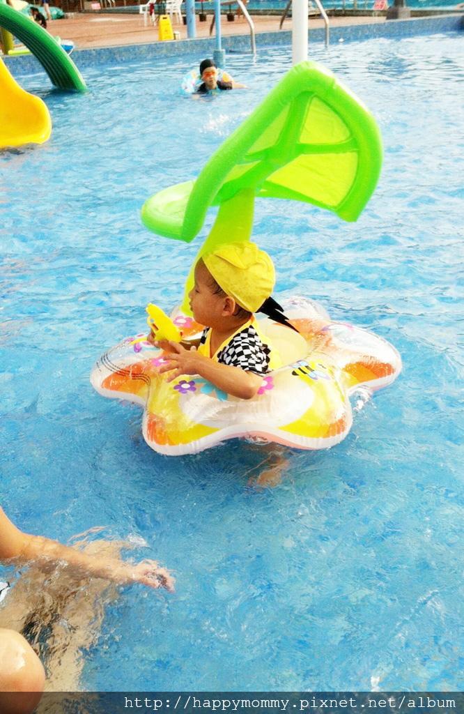 士林前港公園游泳池兒童戲水池 (2).jpg
