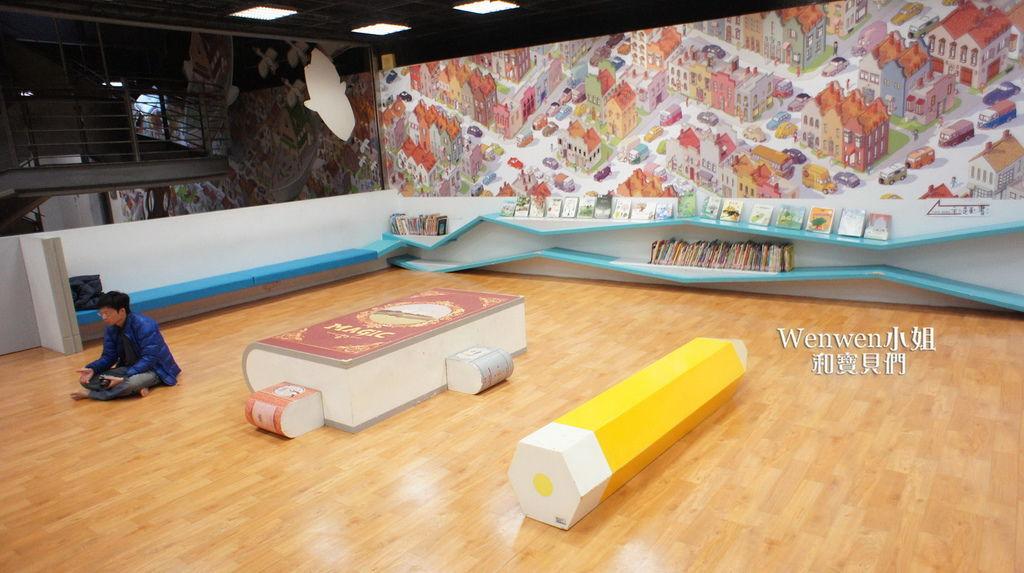 國美館 台中國家美術館藝想號兒童繪本區繪本閱覽室藝想操控臺故事塢