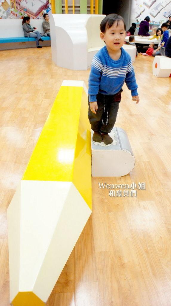 2017.03.26國美館  台中國家美術館 藝想號 兒童繪本區 (16).JPG