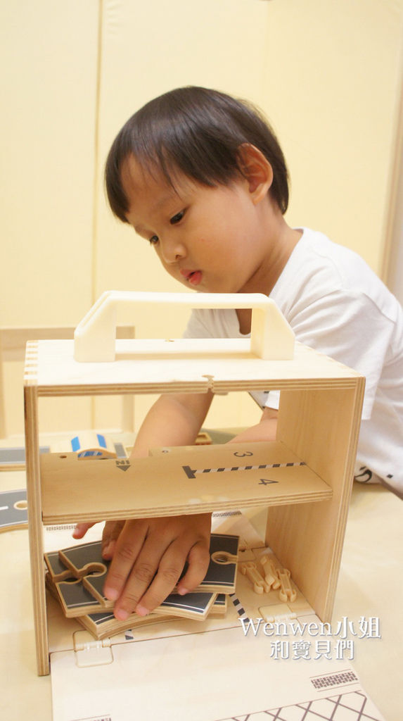 Boxset攜帶式玩具箱 車子屋 (12).JPG