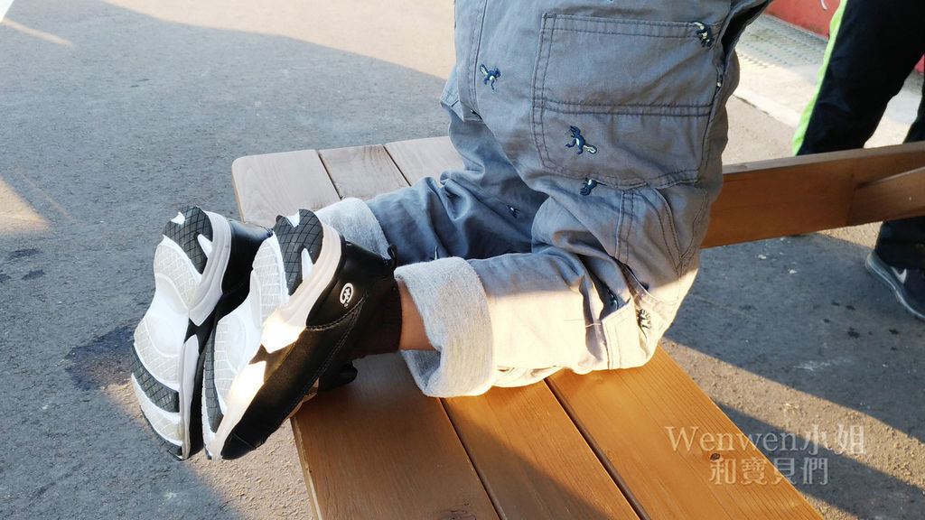 2017.12.10 HAWKINS Warm %26; Light保暖輕量童鞋 (19).jpg