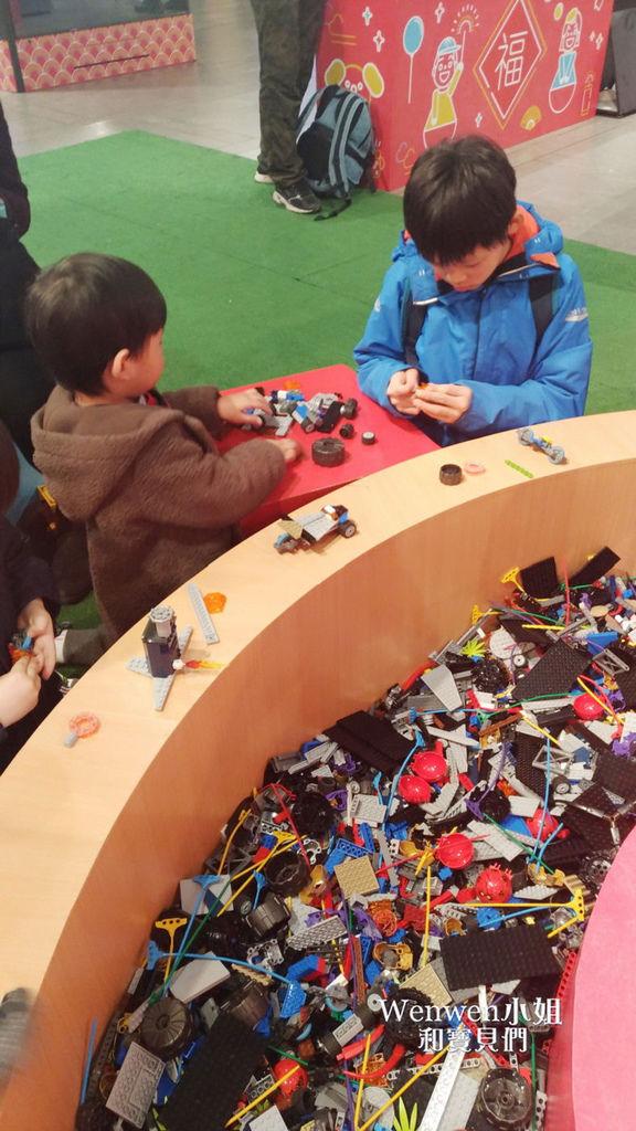 2018.02.13 三創生活園區 瘋桌遊拼積木展 (23).jpg