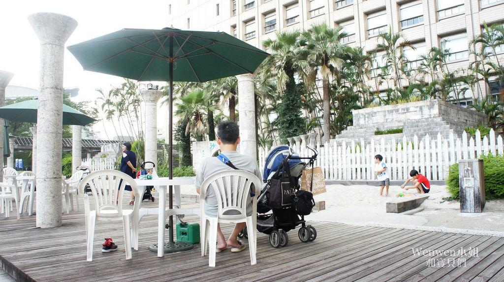 2018.08.25 台北市政府人工沙攤 戶外沙坑 (4).JPG