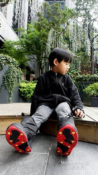 2018.12 VANS兒童機能靴 (7).JPG