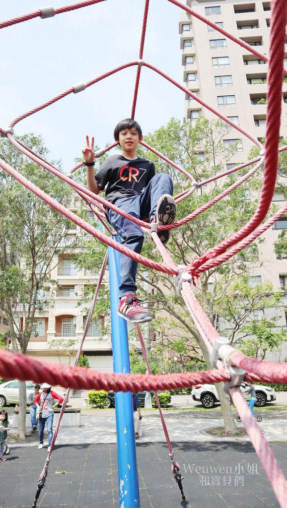 2019.03.31 新竹兒一公園 大型攀爬網 兒童繩索公園 (6).JPG