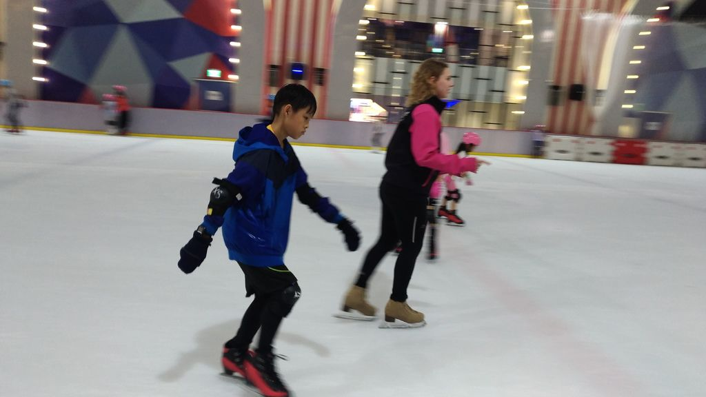 2019.05 北極星滑冰 台北大直ATT親子景點.jpg