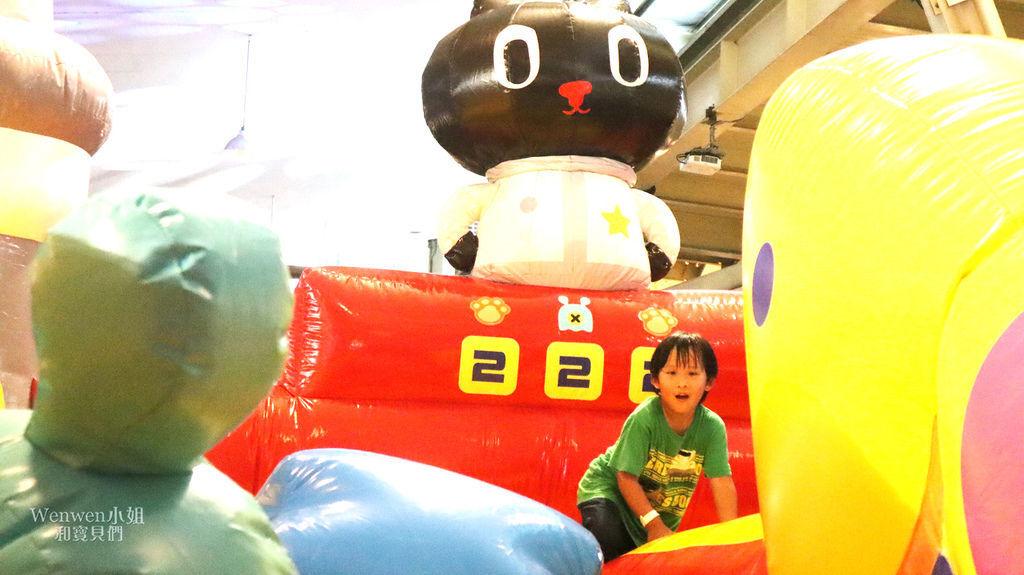 2019.09 台北親子景點 Kuroro宇宙喵樂園 氣墊樂園 (18).JPG