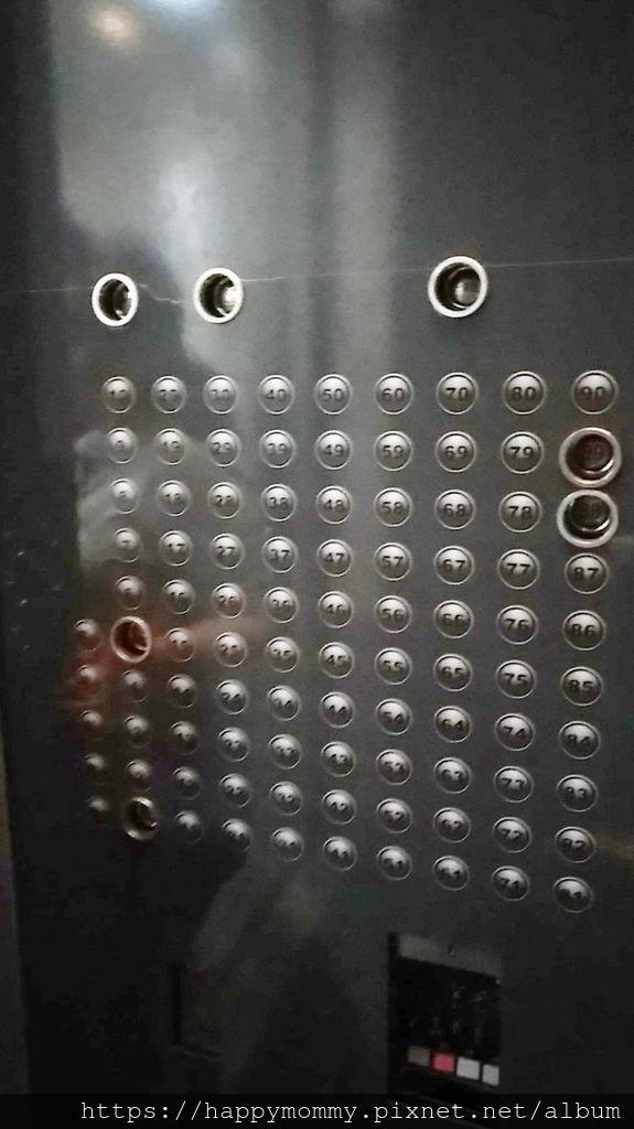 台北101觀景台  世界最快高速電梯 (3).jpg