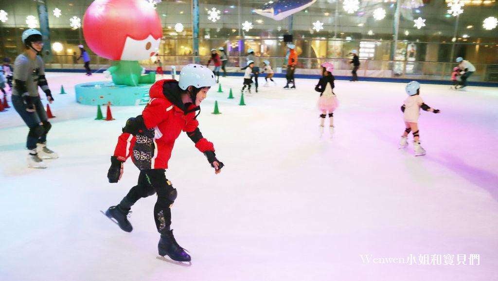 2019~2020中國信託金融園區戶外免費滑冰場 (36).JPG
