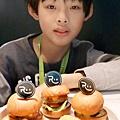 2020.富爸爸親子餐廳兒童餐 (2).jpg