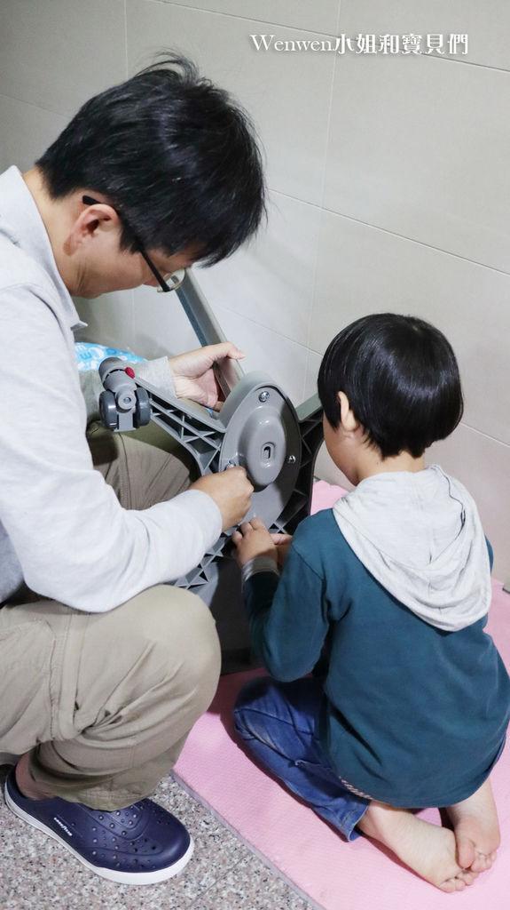 2020.04 小學預備用品 欣美SingBee 兒童成長書桌椅兒童人體工學椅 組裝 (6).JPG