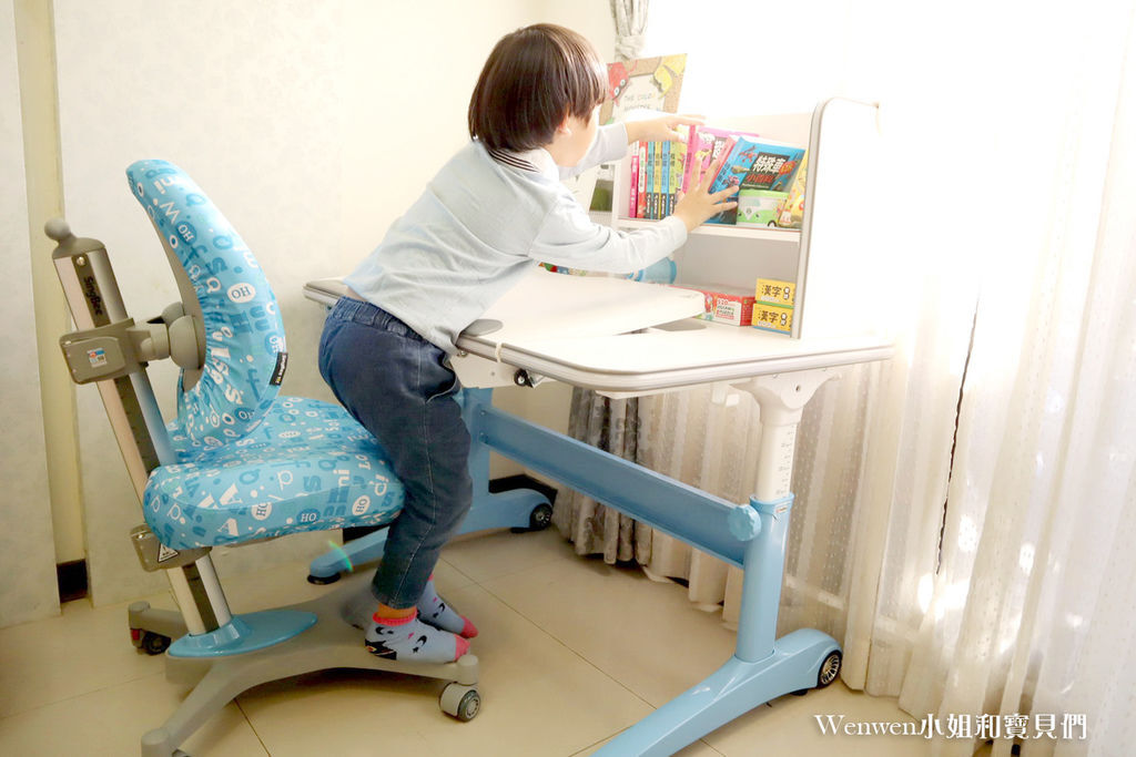 2020.04 小學預備用品 欣美SingBee 兒童成長書桌椅兒童人體工學椅 (20).JPG