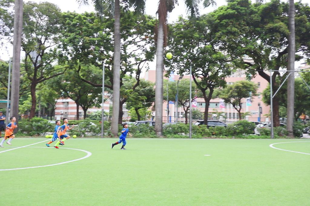 陳信安足球學校 足球夏令營 兒童足球課程(6).JPG