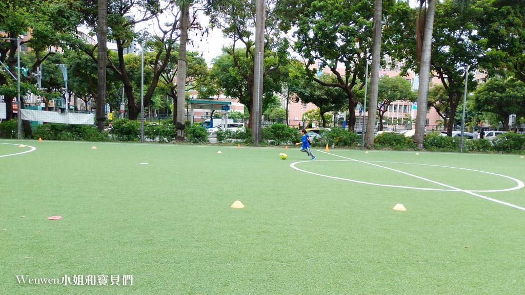 陳信安足球學校 足球夏令營 兒童足球課程(8).jpg