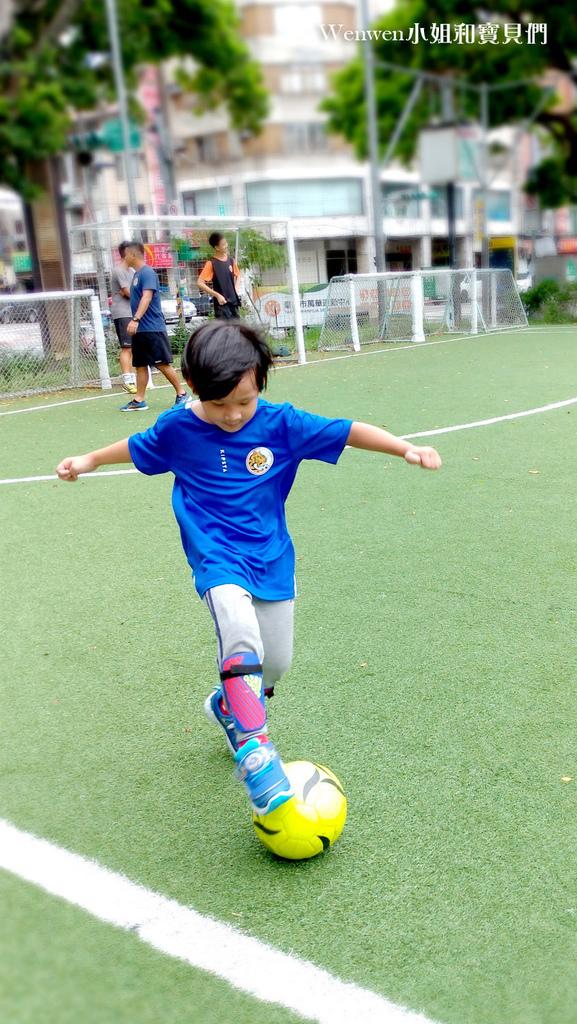 陳信安足球學校 足球夏令營 兒童足球課程(9).jpg