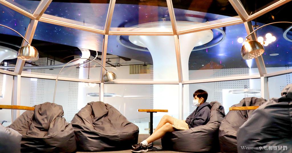 2020 新北景點 林口東勢閱覽室 星空玻璃屋圖書館 (6).JPG