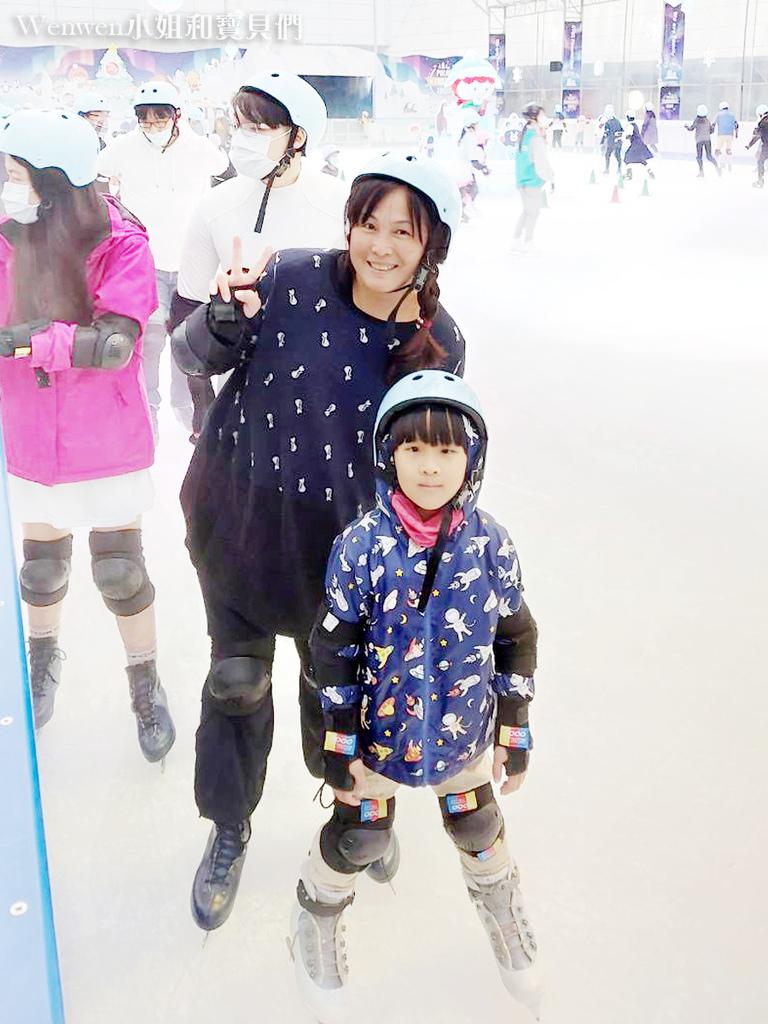 2020.12.05 中國信託金融園區免費滑冰場 (11).jpg