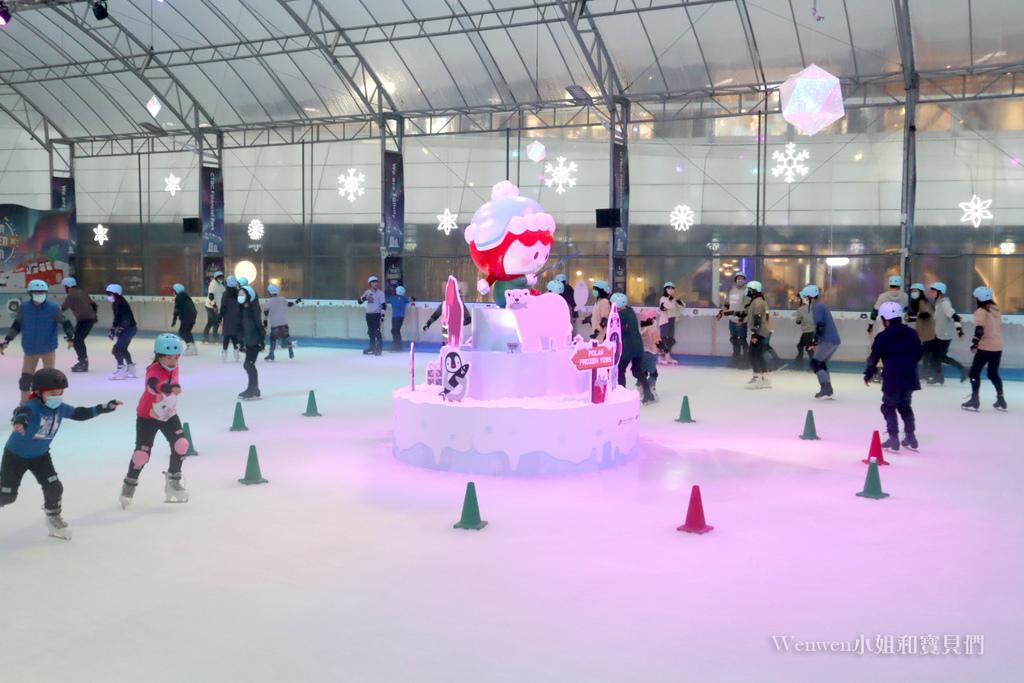 2020.12.05 中國信託金融園區免費滑冰場 (12).jpg