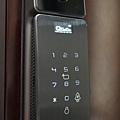 酷可可QGOGO電子鎖推薦 指紋鎖 密碼鎖 R6800全自動門鎖可視貓眼監控 (7).JPG