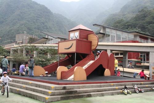 2010.11.21 瑞芳猴硐國小 (94).JPG