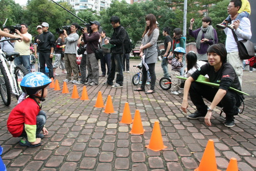2010.11.18 PushBike中和四號公園活動 (13).JPG