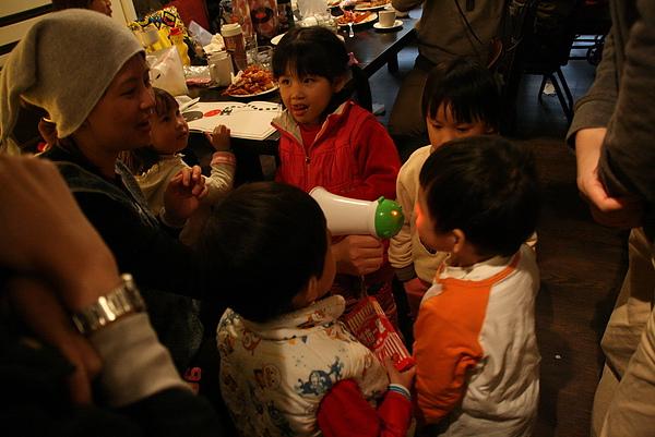 2011.01.15 小騎士迎春聚餐 新店蕃茄主義 (44).JPG