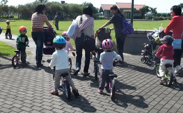2010.11.10 Push bike 內湖運動公園 聚會 (23).jpg