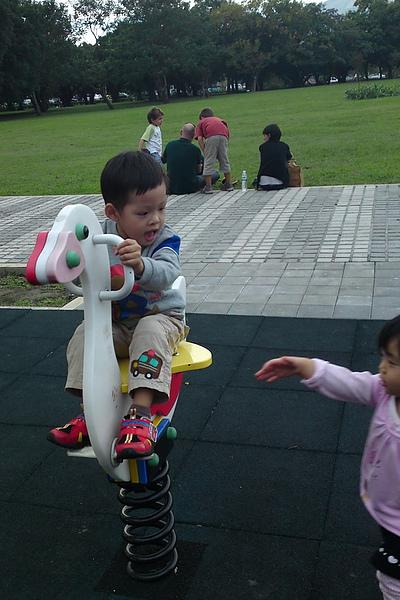 2010.11.14 美崙科學公園 (38).jpg