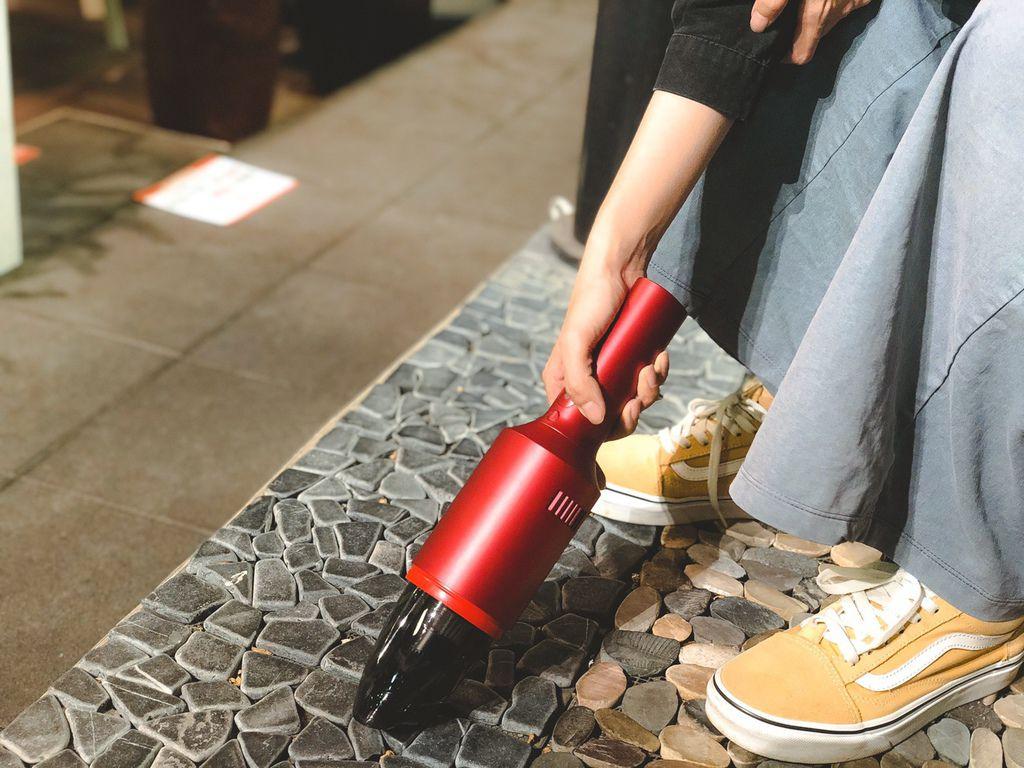 【TiDdi】SJ80 紅酒瓶隨手吸塵器|免插電吸塵器推薦 (14).jpg