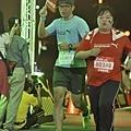 擷取於運動筆記,Puma螢光夜跑終點前的一刻