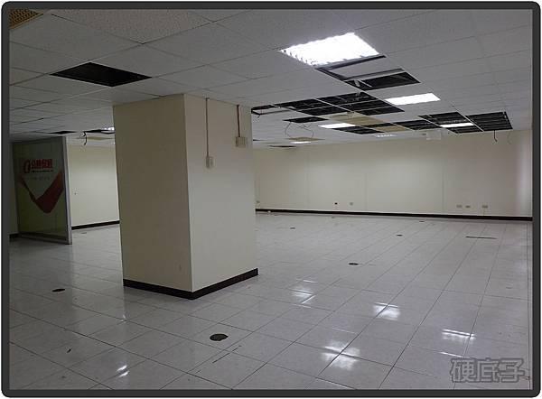 辦公室施工前02.jpg