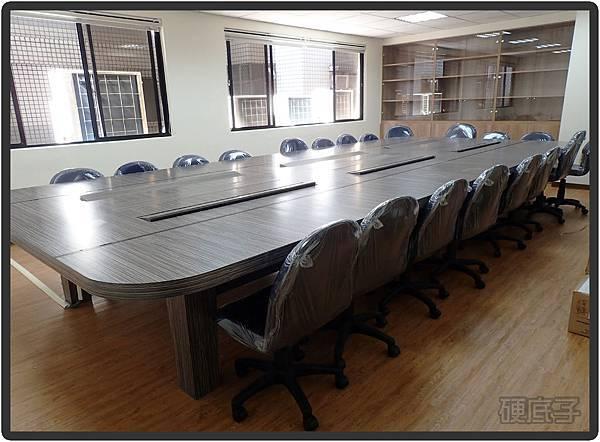 會議桌02.jpg