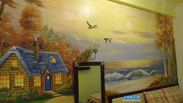 房間牆上壁畫