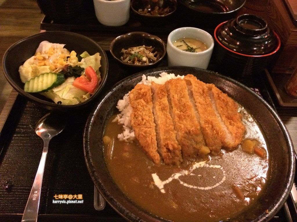 七味亭-香酥黃金雞菲力咖哩飯