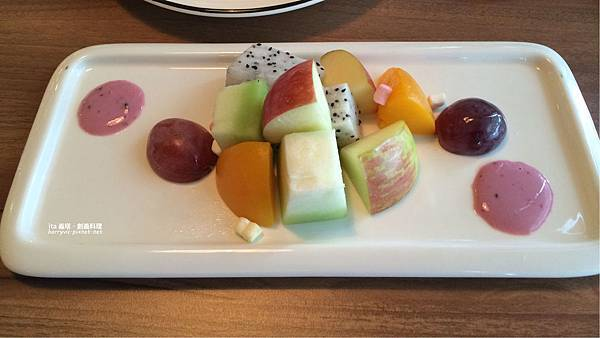 ita-野莓優格水果沙拉