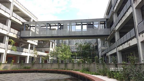 宜蘭大學-綜合教學大樓
