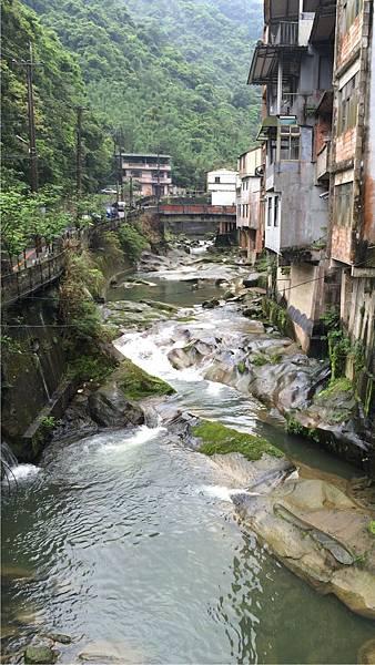 石碇崩山溪