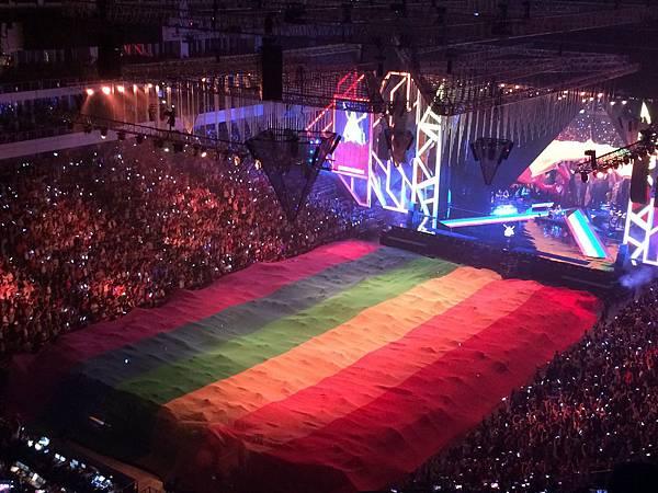 2015烏托邦世界巡城演唱會-小巨蛋-彩虹傳遞5